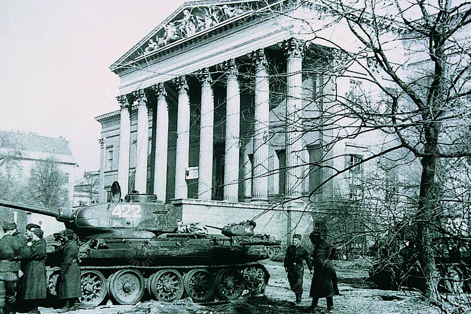 Forradalmi tűz a Nemzeti Múzeumban