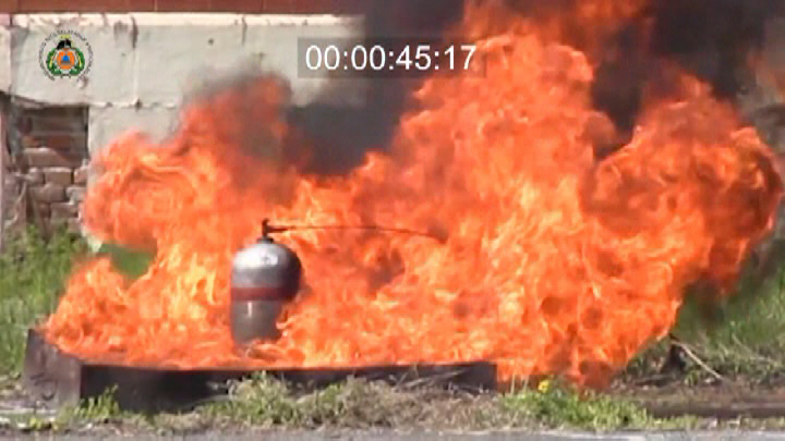Különböző töltöttségű propán-bután gázpalackok robbanásai