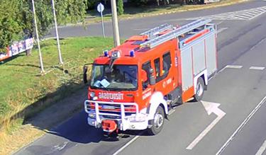 Véda felvétele a vonuló tűzoltókról
