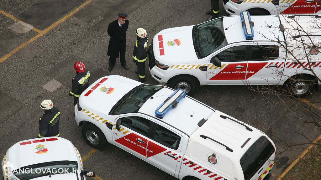 Terepjárókat vásárol a katasztrófavédelem