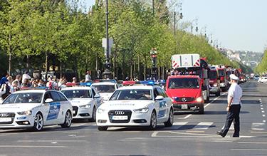 Felvonulás a VIII. Országos Rendőr- és Tűzoltónapon (Fotó: Kis-Guczi Péter)