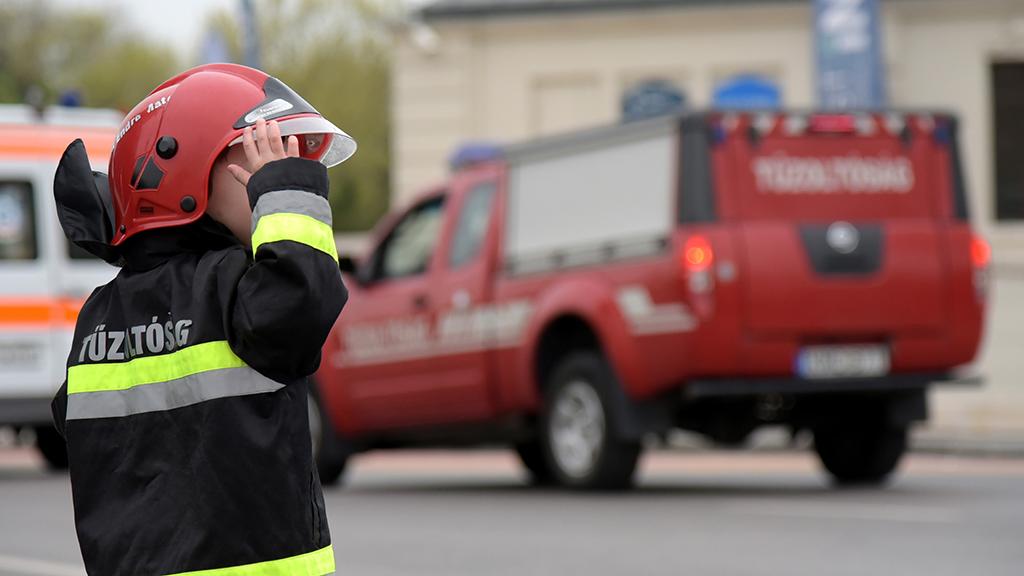 Képzelt díszparancs Magyarország belügyminiszterétől a tűzoltók ünnepnapja alkalmából