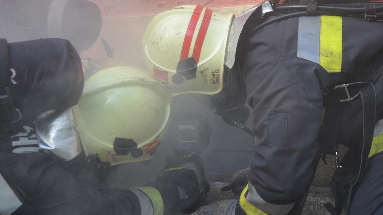 Talajszint alatti építmények, helyiségek tüzeinek oltása