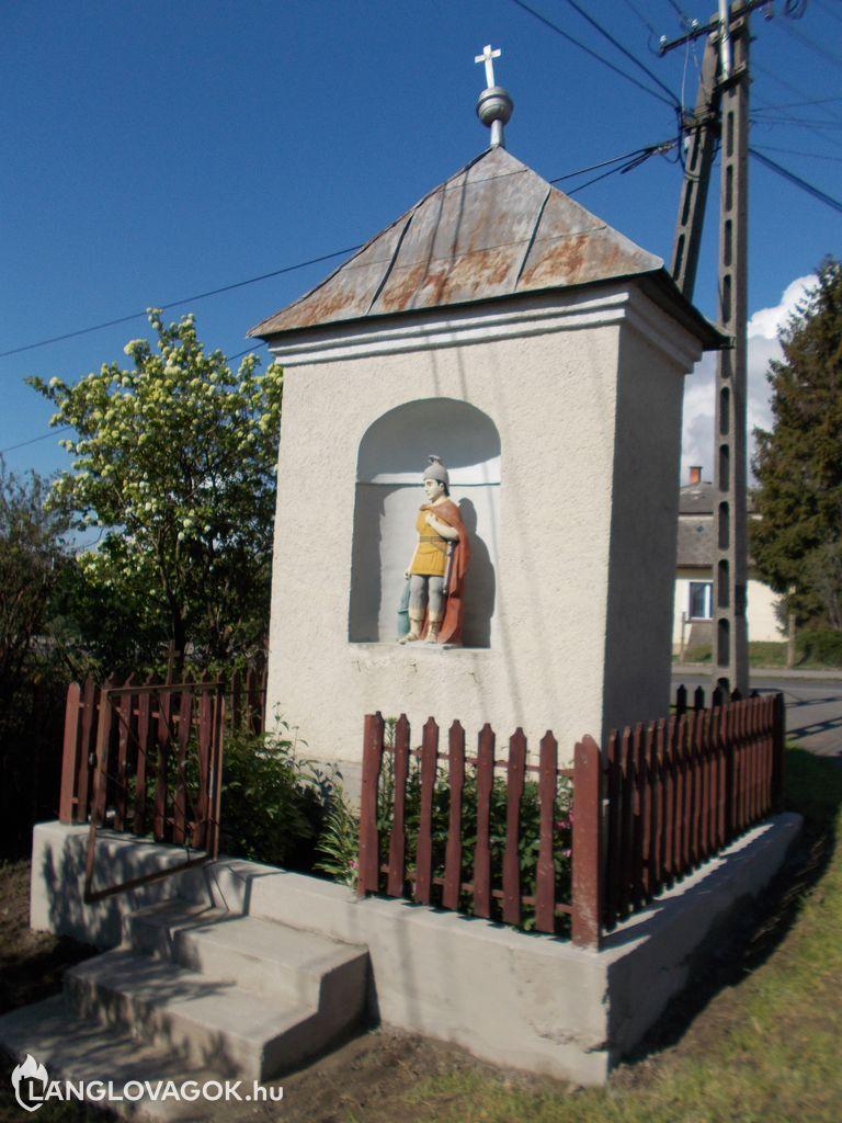 Szent Flórián-szobor Novajidrányban (Fotó: Rétlaki Klára)