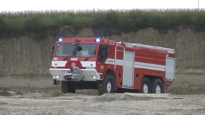 Tatra CAS 30-as tűzoltóautó bemutatása Csém közelében