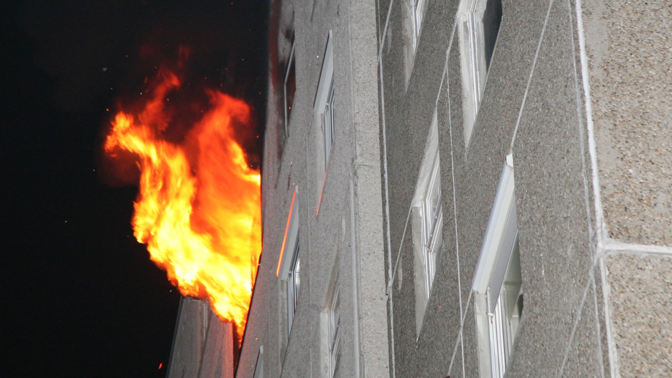 Középmagas és magas épületek tüzeinek oltása