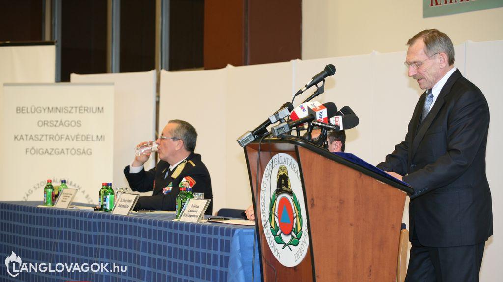 Középvezetők alkalmasságát vizsgálják a katasztrófavédelemnél