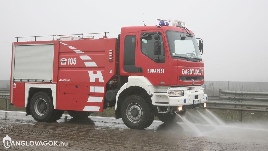 Renault vízszállító gépjármű [JZY-745]