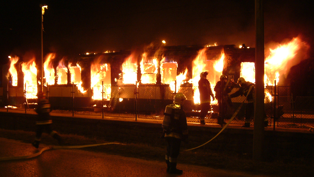 Kötöttpályás járművekben keletkező tüzek beavatkozási szabályai