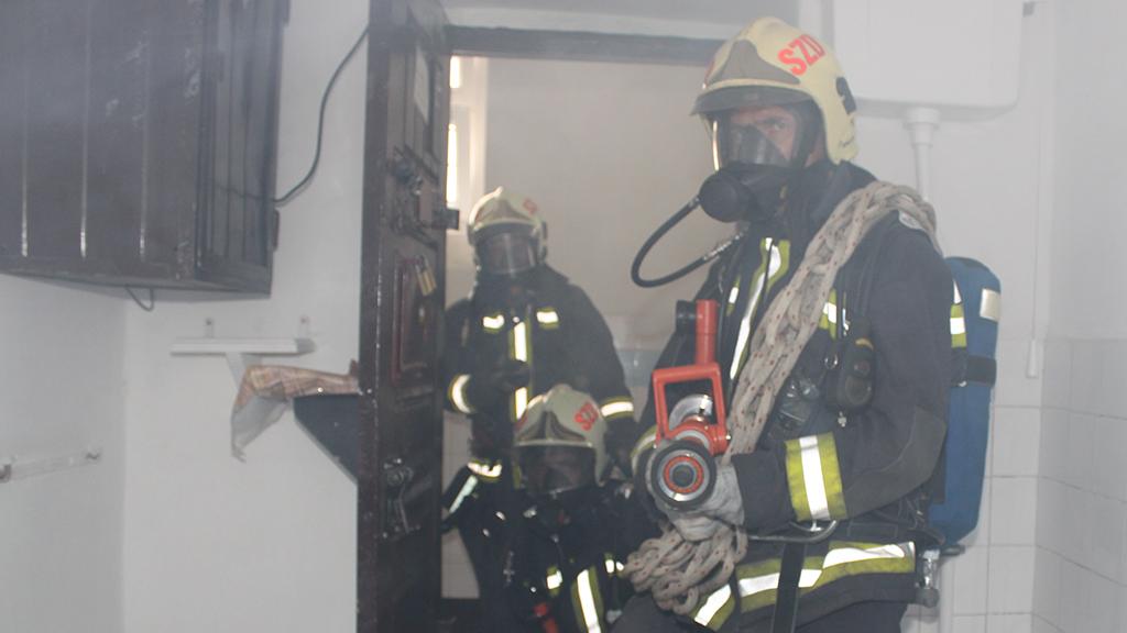 Büntetés-végrehajtási és elmegyógyintézetek tüzeinek oltása