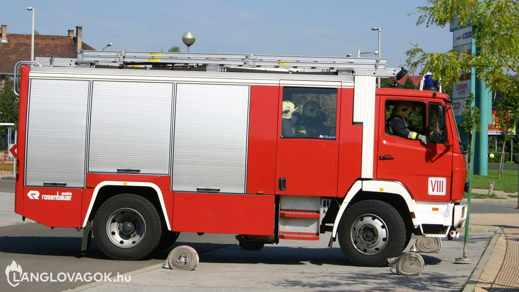 Mercedes-Benz gépjárműfecskendő [HDR-699]