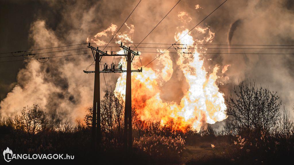 Gázt szállító járművek, gázvezetékek, gáztartályok és gázpalackok tüzeinek oltása
