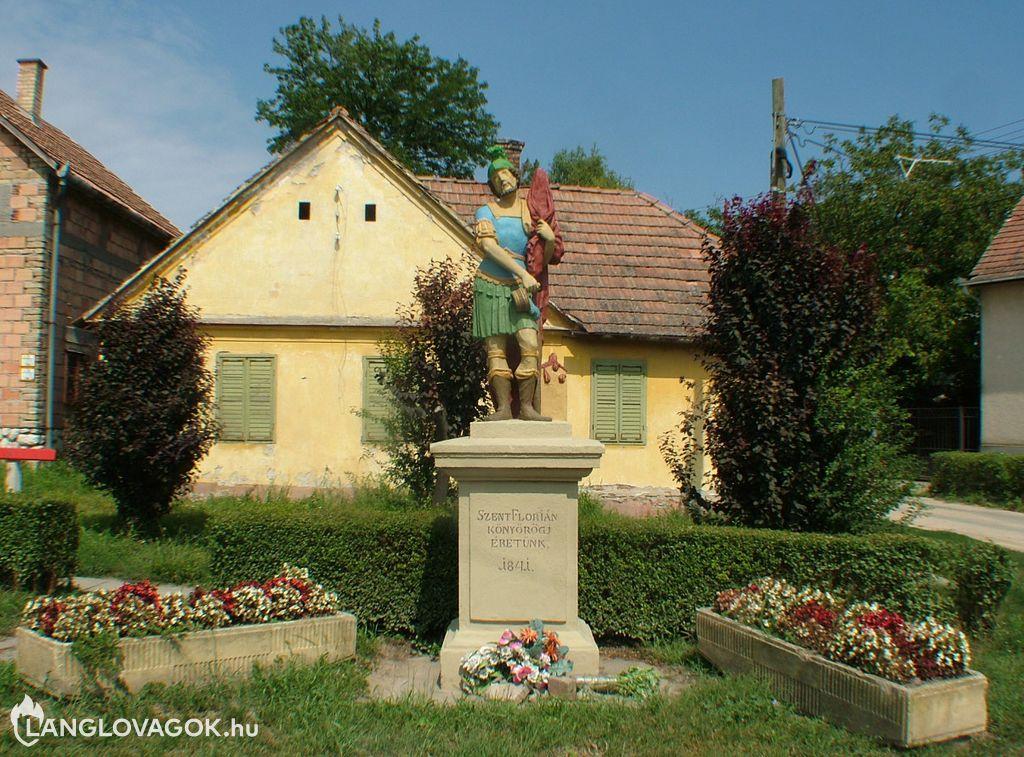 Szent Flórián-szobor Dunaszekcsőn (Fotó: Baranyai Cser István)