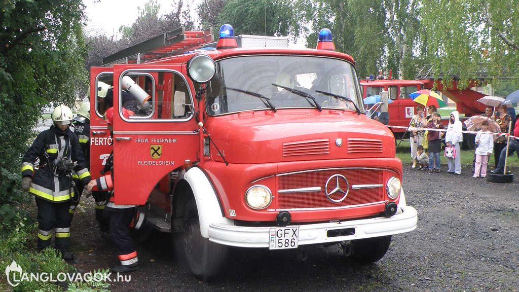 Mercedes-Benz gépjárműfecskendő [GFX-586]