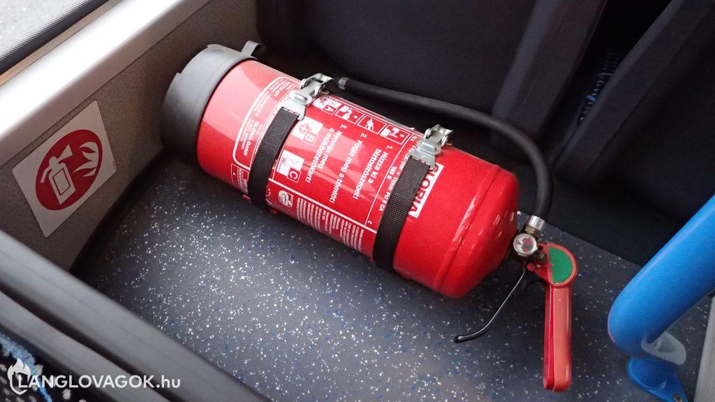 Tűzoltó készülék az autóbuszon