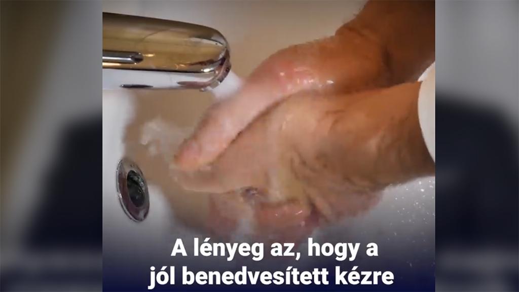 Kezet mosni tanítják a tűzoltókat