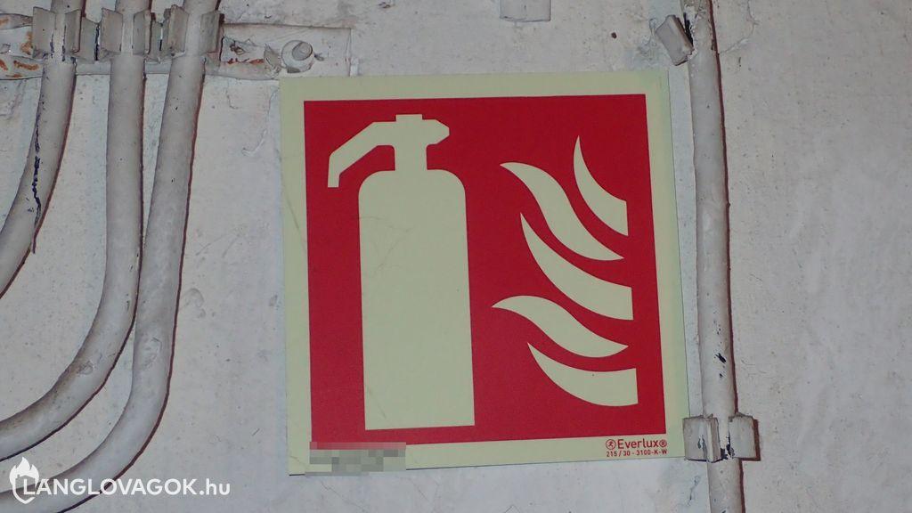Tűzvédelmijel-féleség a tűzoltó készüléknél