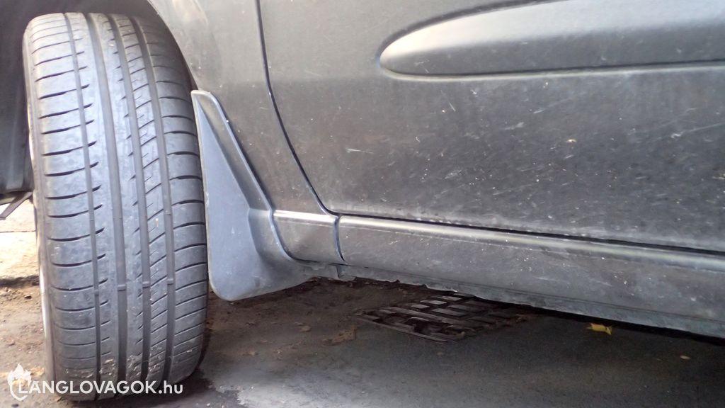 Fizető parkoló a föld alatti tűzcsapon Budapesten